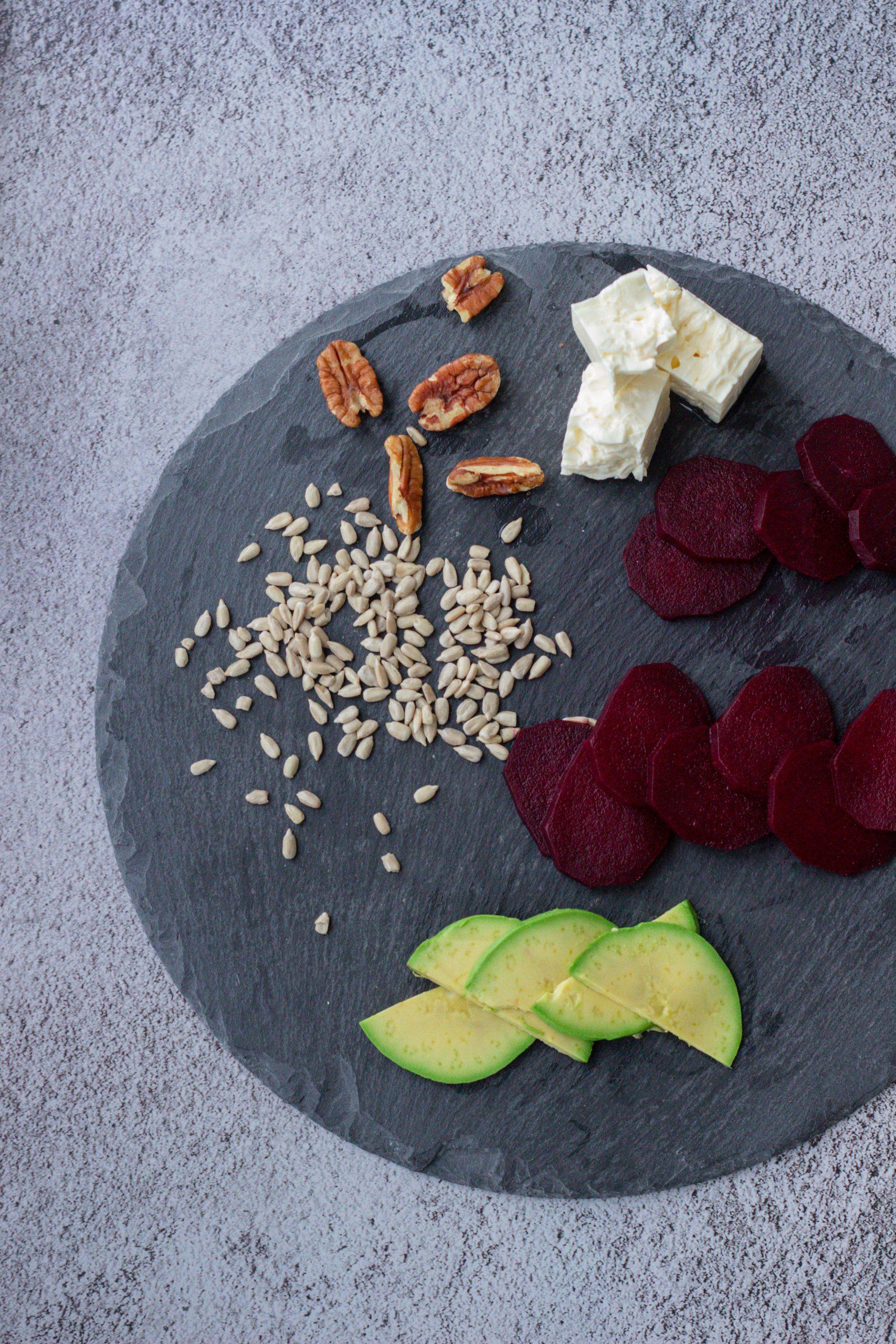 Burokėlių ir fetos sūrio salotos