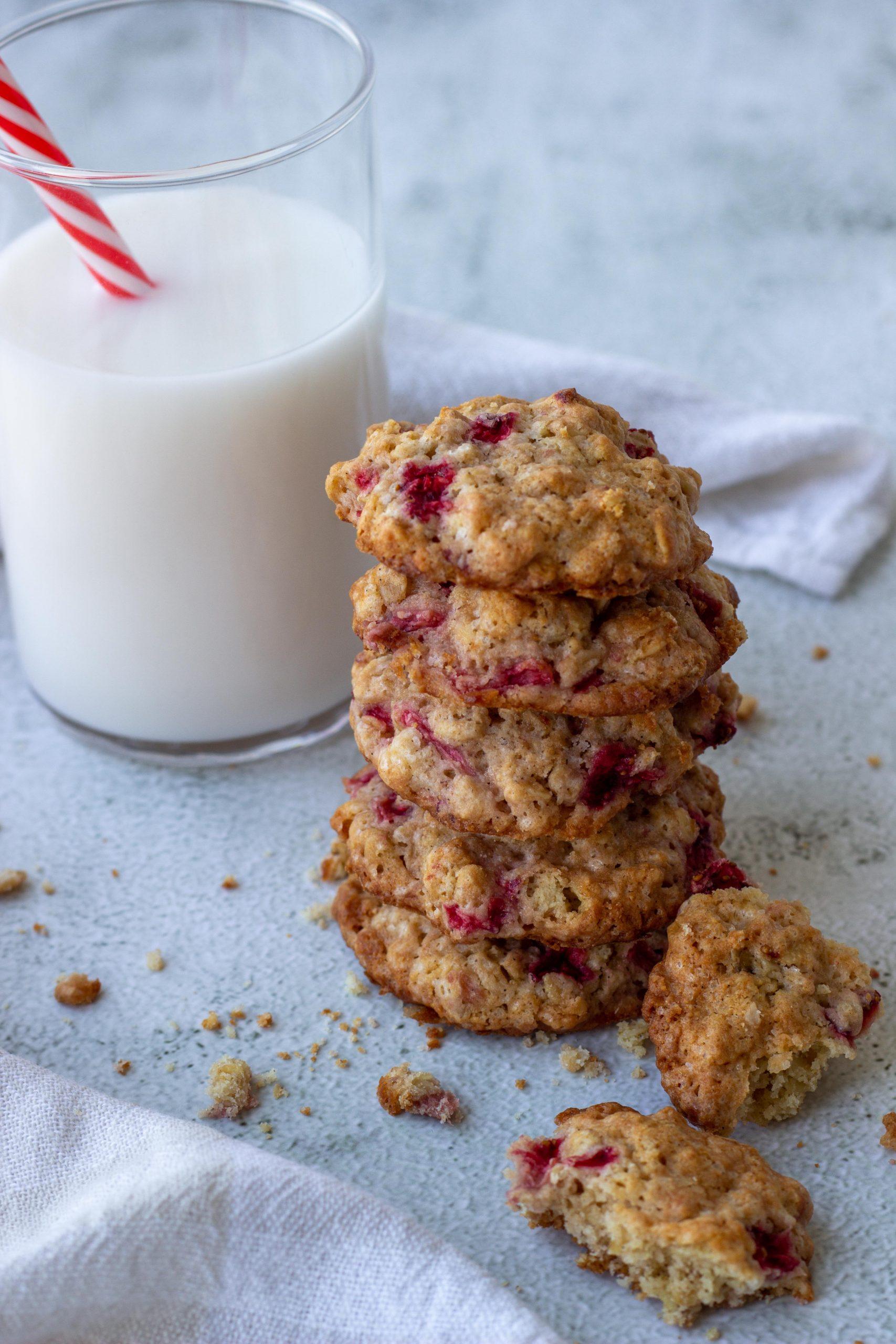 Avižiniai sausainiai su braškėmis