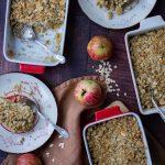 Avižinis migdolinis trupiniuotis su bananais ir obuoliais (be kviečių)