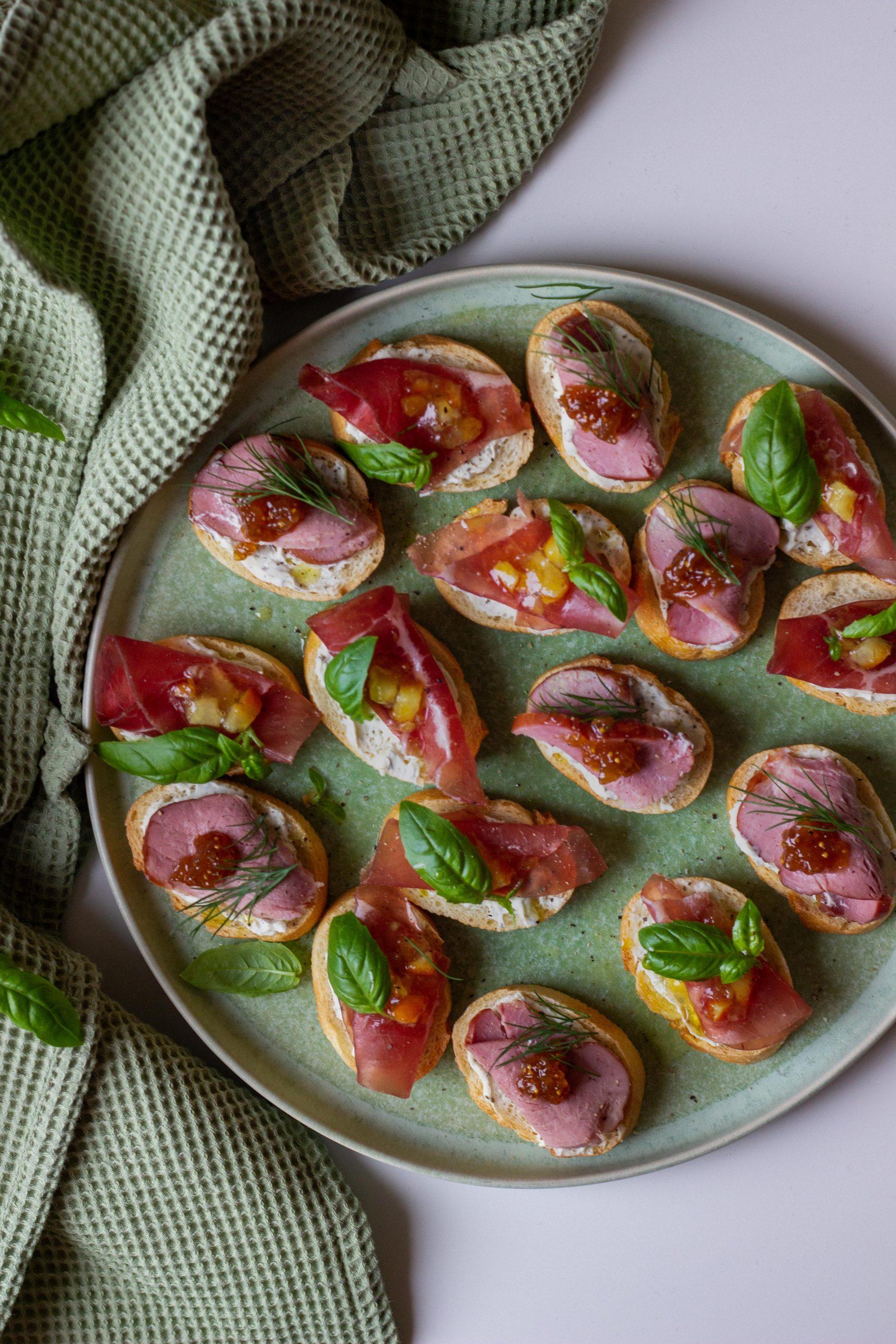 Idėja vakarėliui vieno kąsnio sumuštinukai
