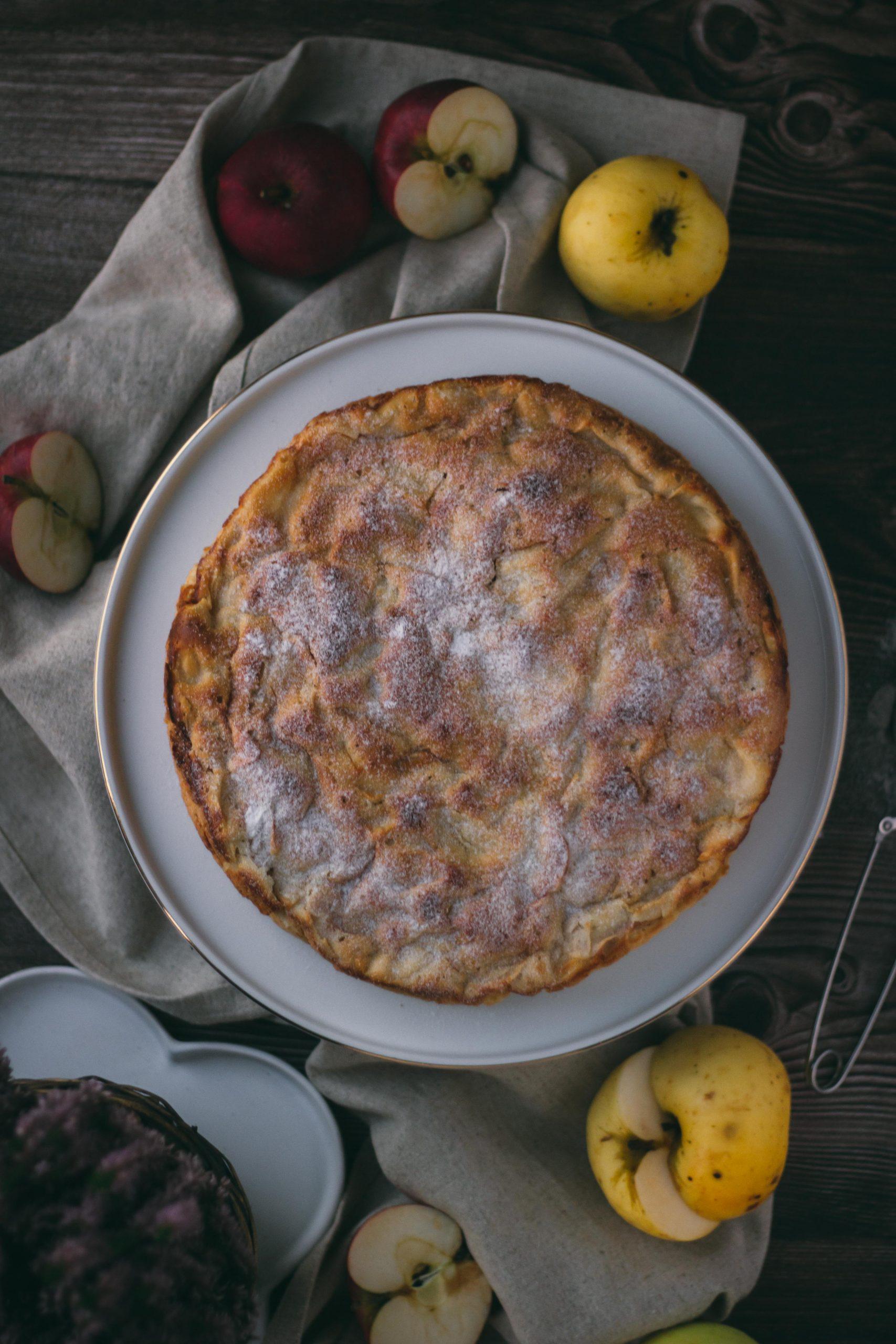 Obuolių pyragas su kokosų aliejumi