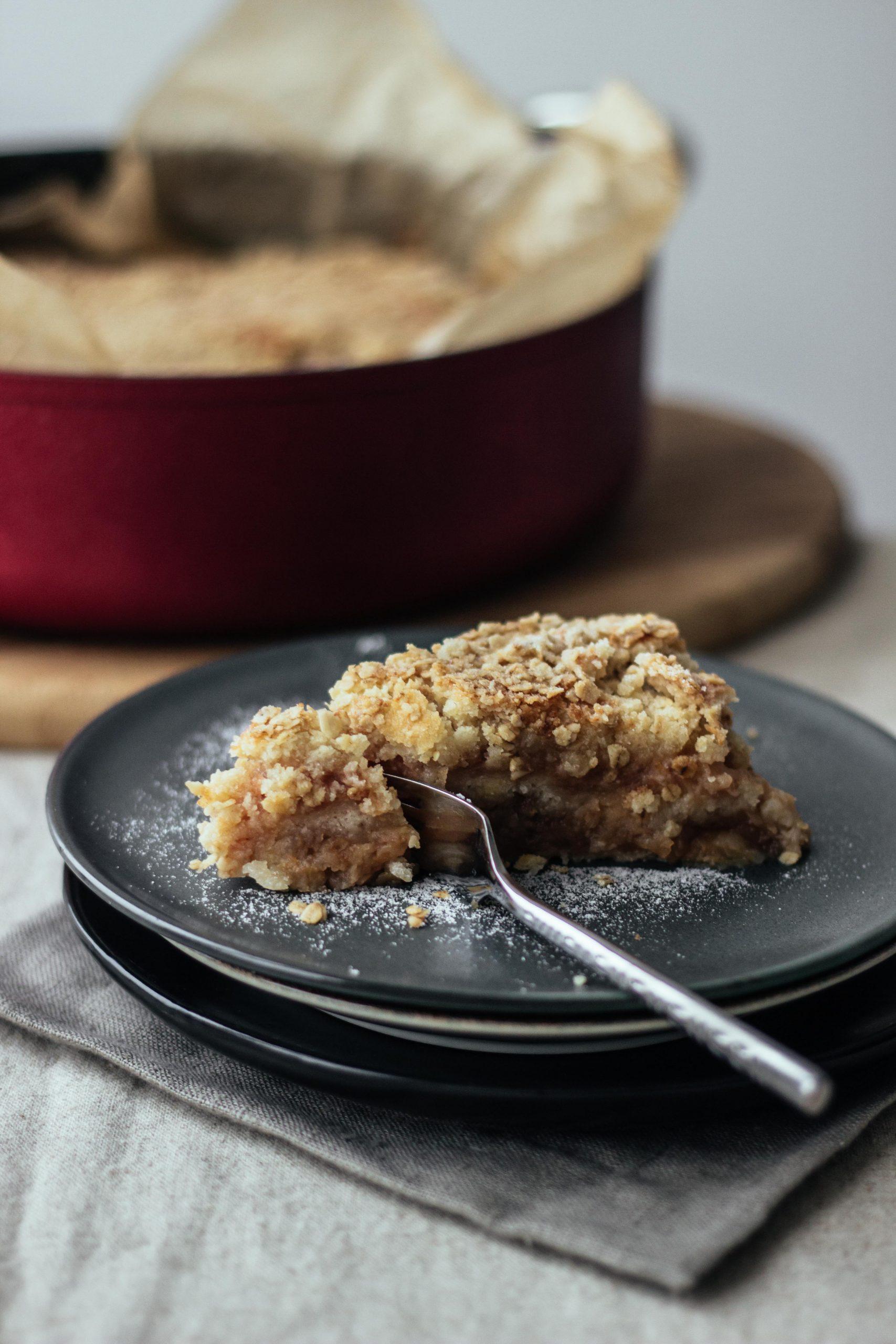 Obuolių pyragas be tešlos maišymo